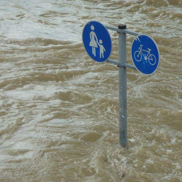 Unterstützung für Hochwasseropfer