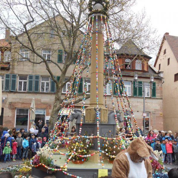 Osterbrunneneinweihung in Schwabach